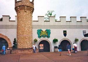 Show building entrance  (Photo courtesy of CastleOSullivan / Tyler Whitby)